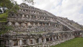 Zona Arqueológica de Yohualichan, Cuetzalan, Puebla.